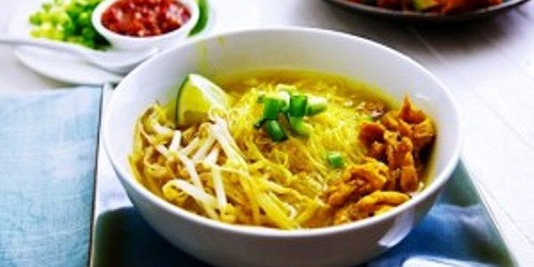 Soto Ayam Kuning Bening