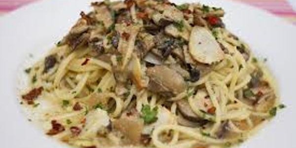 Spaghetti Aglio Olio with Mushroom