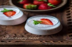 Strawberry Lassi Ala India