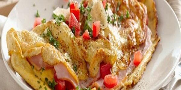 Omelet Daging Asap Jamur Kancing