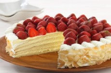 LAYERED VANILA MASCARPONE MOUSSE